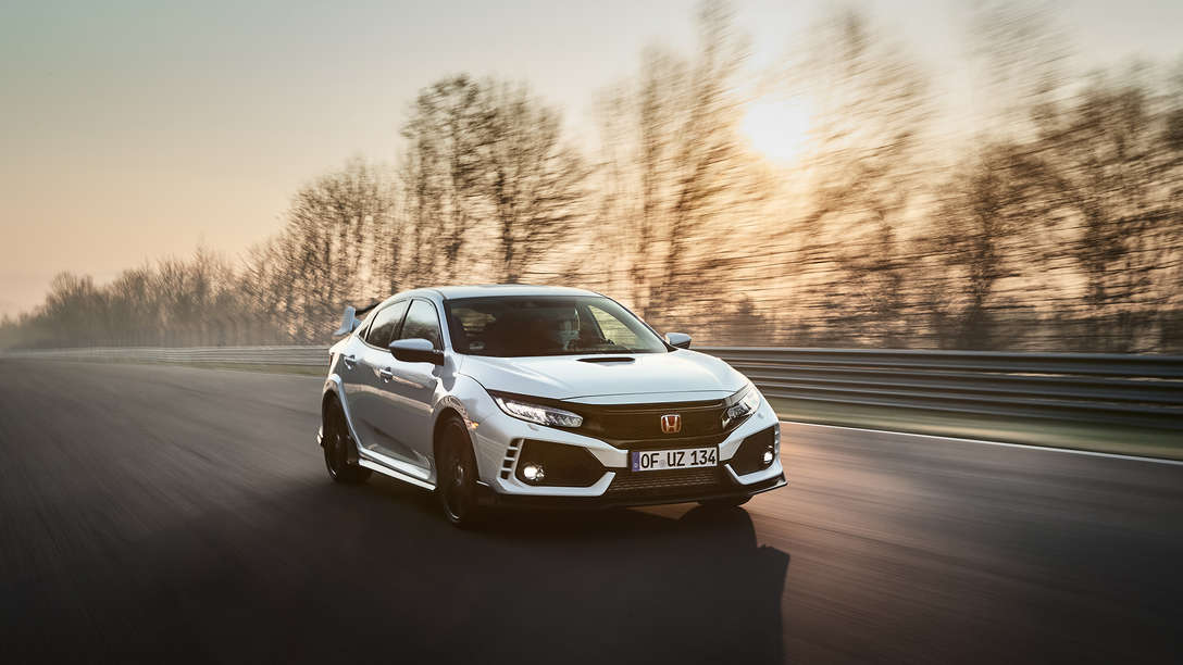 Front three-quarter facing Honda Civic Type R.