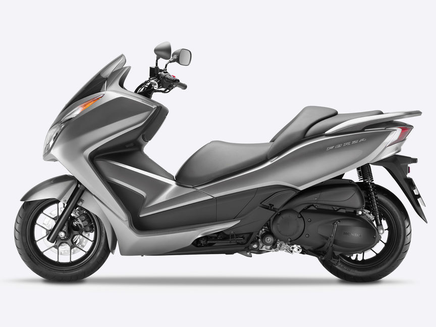 moto scooter 300
